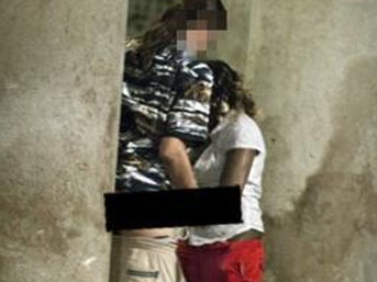 Barselona'da sokakta seks skandalı