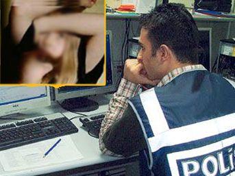 Annesini Siken Liseli Çocuk İfşa  Türk Pornosu