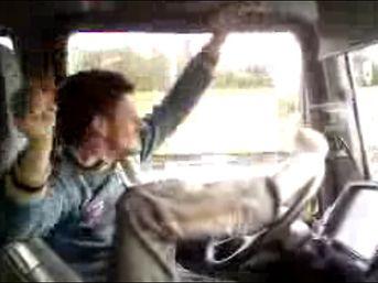 çılgın Tir şoförü Dünya Haberleri