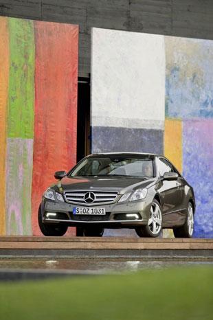Mercedes E Serisi Coupe Mercedes-e-class-coupe-8