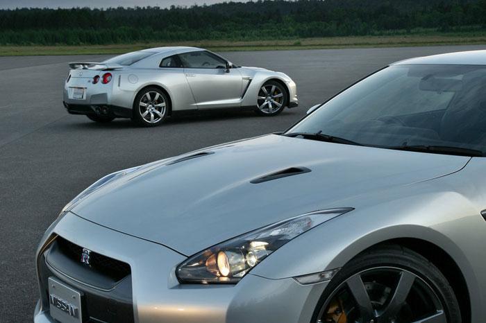 Nissan GT-R ödüle doymuyor! + 56 Resim Nissan-gtr-12