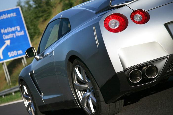 Nissan GT-R ödüle doymuyor! + 56 Resim Nissan-gtr-13