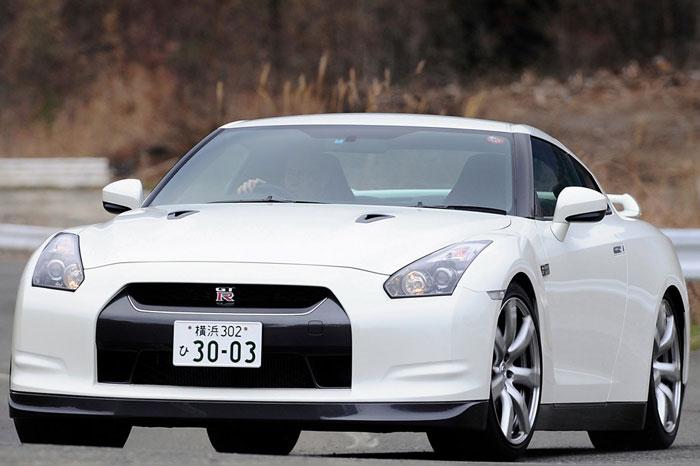 Nissan GT-R ödüle doymuyor! + 56 Resim Nissan-gtr-16