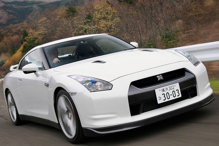 Nissan GT-R ödüle doymuyor! + 56 Resim Nissan-gtr-17