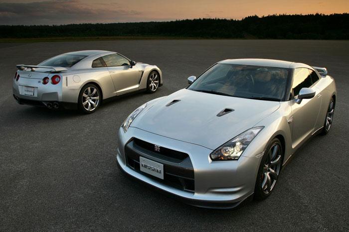 Nissan GT-R ödüle doymuyor! + 56 Resim Nissan-gtr-2