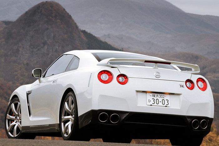 Nissan GT-R ödüle doymuyor! + 56 Resim Nissan-gtr-23