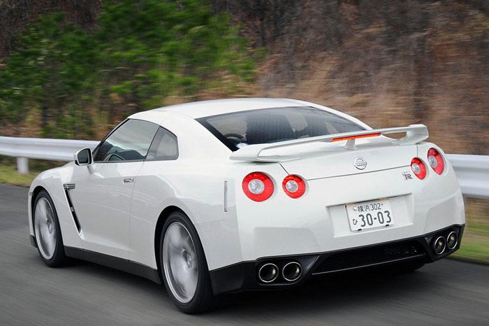 Nissan GT-R ödüle doymuyor! + 56 Resim Nissan-gtr-24