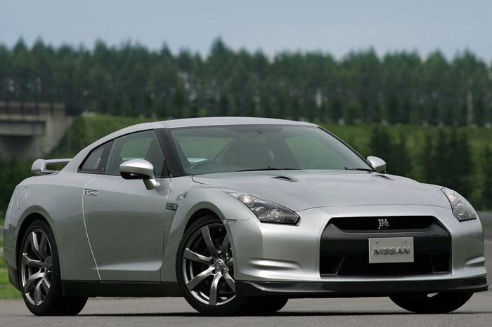 Nissan GT-R ödüle doymuyor! + 56 Resim Nissan-gtr-3