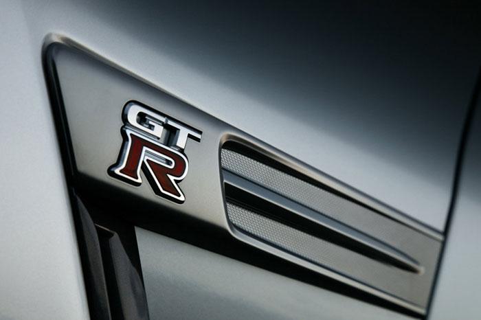 Nissan GT-R ödüle doymuyor! + 56 Resim Nissan-gtr-44