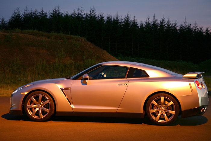 Nissan GT-R ödüle doymuyor! + 56 Resim Nissan-gtr-48