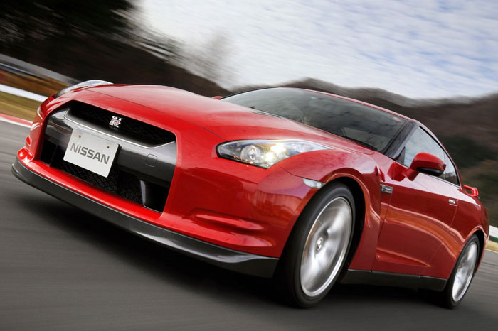 Nissan GT-R ödüle doymuyor! + 56 Resim Nissan-gtr-51