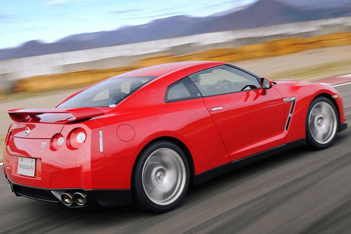 Nissan GT-R ödüle doymuyor! + 56 Resim Nissan-gtr-52