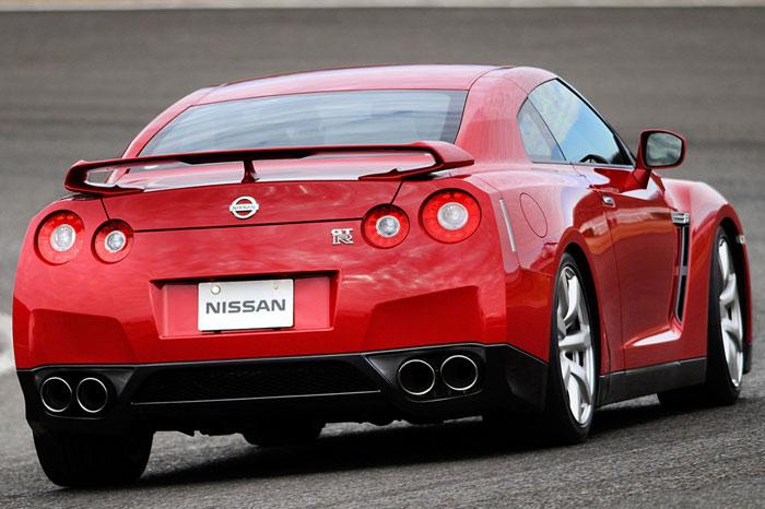 Nissan GT-R ödüle doymuyor! + 56 Resim Nissan-gtr-53