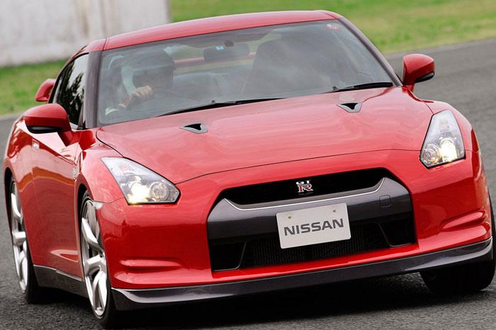 Nissan GT-R ödüle doymuyor! + 56 Resim Nissan-gtr-56