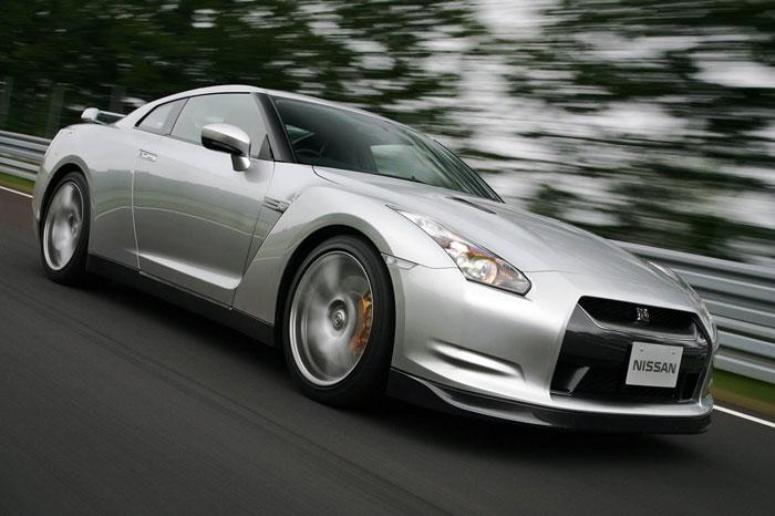 Nissan GT-R ödüle doymuyor! + 56 Resim Nissan-gtr-8