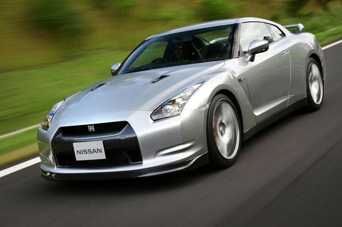 Nissan GT-R ödüle doymuyor! + 56 Resim Nissan-gtr-9