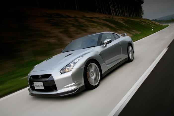 Nissan GT-R ödüle doymuyor! + 56 Resim Nissan-gtr