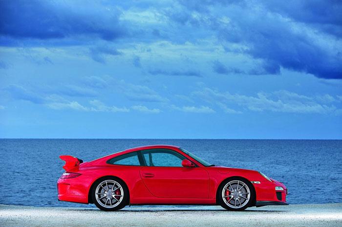 Yeni 911 GT3 Porsche-911-gt3-14