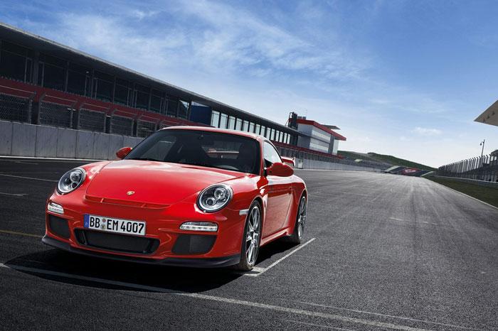 Yeni 911 GT3 Porsche-911-gt3-4