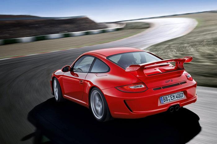 Yeni 911 GT3 Porsche-911-gt3-6